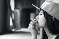 車と煙草と女性